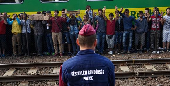 Exigim a la Comissió que actuï davant la detenció automàtica i sistemàtica de tots els demandants d'asil a Hongria.