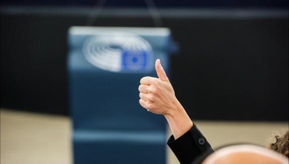 Urtasun celebra que la pressió de la societat civil hagi obligat a rectificar a la Comissió sobre el procés de ratificació del CETA