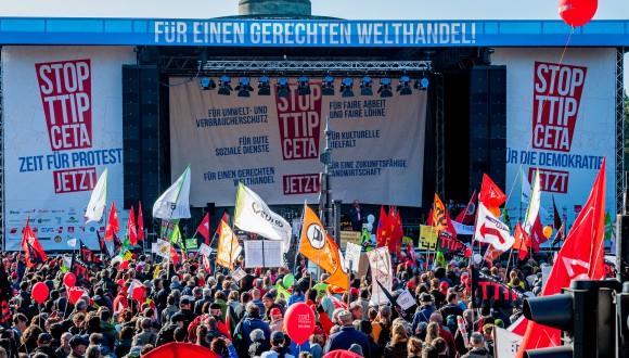 El 'Progressive Caucus' se suma a les accions locals i globals contra el CETA d'aquesta tardor