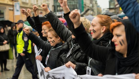 Verdes denuncian nuevos retrocesos de los derechos de las mujeres en Polonia