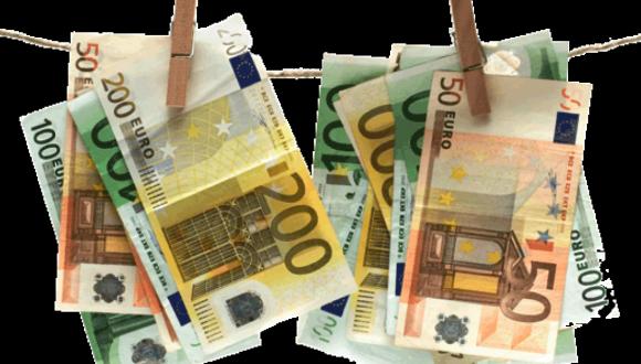 La Comissió Europea fa pública la seva llista negra de països en risc de blanqueig de capitals