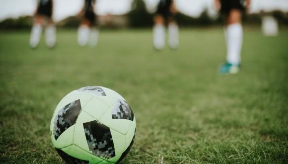 Los Verdes denuncian el nuevo régimen fiscal italiano que supone una rebaja del 50% para futbolistas