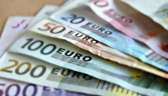 Lamentem la falta de transparència per la retirada de Suïssa i EAU de la llista de paradisos fiscals