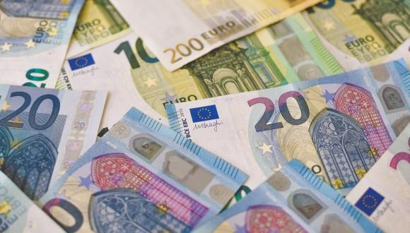 En Comú Podem denuncia el nuevo escándalo fiscal de Luxletters ante la Comisión Europea