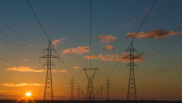 Demanem a la Comissió que exigeixi als Estats Membres posar fi als preus abusius de l'electricitat